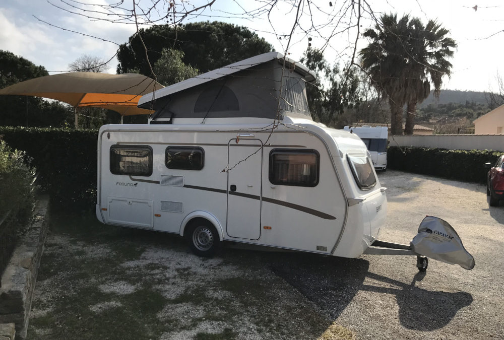 ERIBA FEELING 425 -5 couchages+lit sous toit-