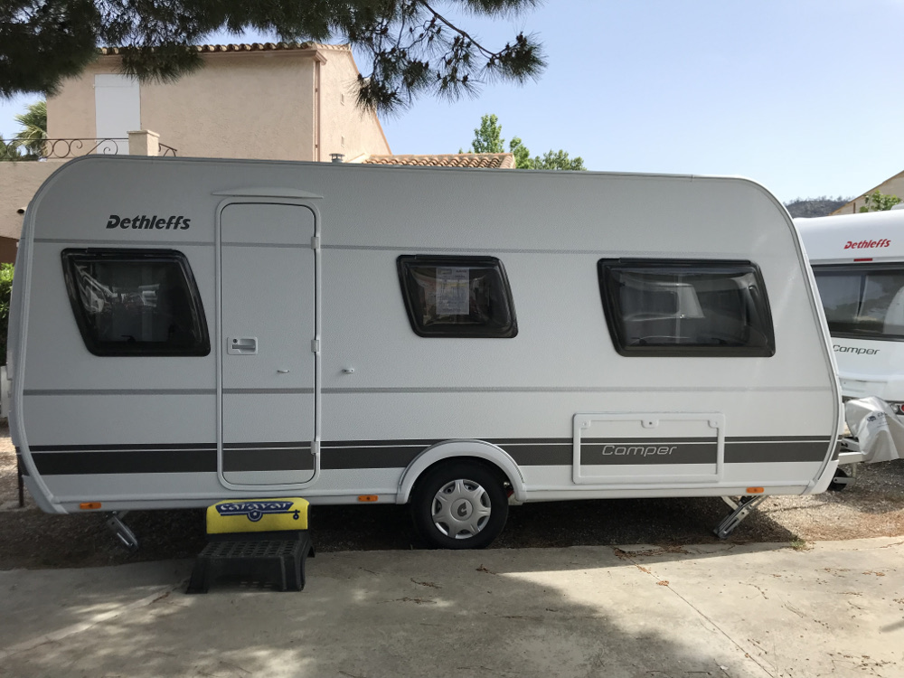 dethleffs camper 460 el caravar (2)